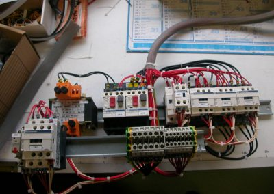 cablage intérieur d'une armoire electrique | FAECE